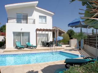 Coral Bay 163, Paphos