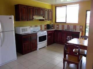 2 private Bedrms 1full Bath  Apart, Kitchen, dinning, A/C, Parking, La Fortuna de San Carlos