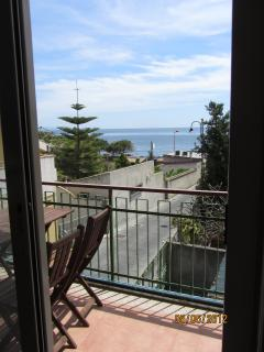 balcony with sea view - balcone vista mare