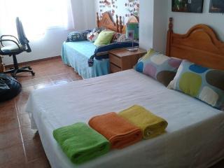Dormitorio 2.  Cama de 135 cm más cama 90 cm