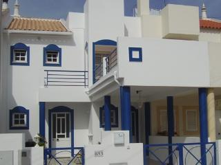 2 bed Apartment in Townhouse, Portimao (Alvor)