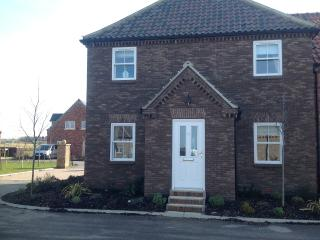 Superb modern house to Sleep 8/9  - 12 Green Close, The Bay, Filey