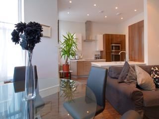 Gresham House 2-bed, Eastbourne