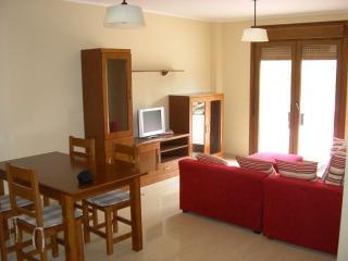 Apartamento de 2 dormitorios en Mougas (Santa Uxia