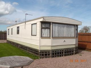 Broad Oak Farm Holiday Homes, Tattenhall