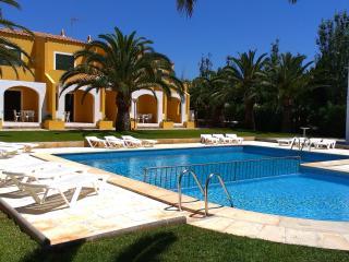 Costa Menorca | Piscina y cerca de la playa a 150m, Cala'n Bosch