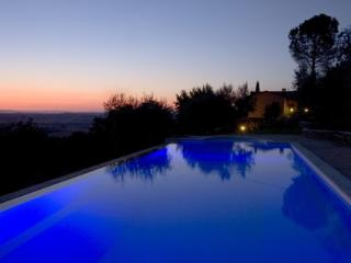 Umbria luxury 2 bedroom apartment with pool. BBQ. WIFI. (BFY13198)