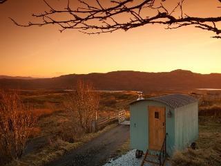 Skye Shepherd Huts - Beileag, Broadford