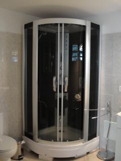 Another bathroom 'LOVERSNEST'