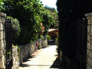 Entrance driveway seen from the portal