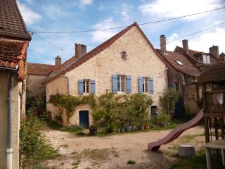 'Les Trois Croix'   Maison 2, Santenay, Cote d'Or, Bourgogne