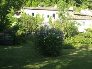 Le Rouvre Vert, lovely country side, 2 holiday cottages (6 and 2-4 people), 2 b&b rooms