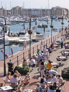 Cafes and Restaurants at The Waterfront