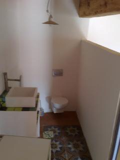 First floor seceond bath room