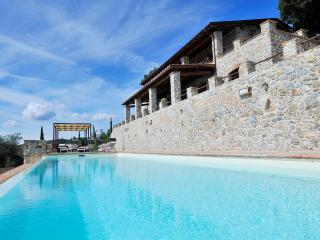 Poggio alla Rocca: nature & 5 exclusive apartments