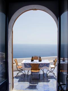 Veduta dalla sala da pranzo soletto del Dammuso Gabbiano