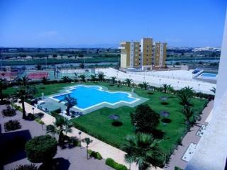Apartamento Guardamar con piscina,pistas paddel