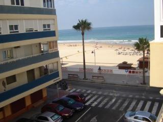 Piso en 1ª línea de playa de Paseo Marítimo Cádiz, Cadiz