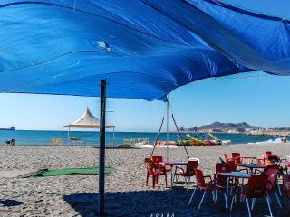 Playa de los Cocones de Carboneras a 5 minutos desde el apartamento andando.