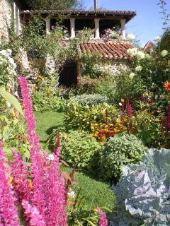 le jardin 'de curé' ,entrée de l'appartement