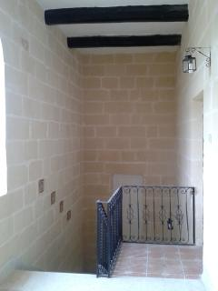 Staircase leeding to 1st floor