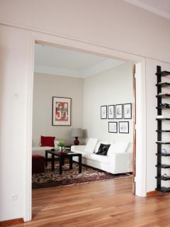 living room and bedroom can be separated or used as one large space