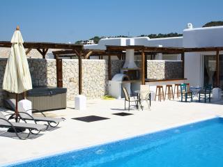 luxury pool & outdoor Jacuzzi pool,Ladiko -Aglaia, Faliraki