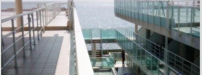 Zonas comunes del edificio Nautilus y con vistas al mar,