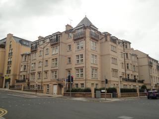 Ratcliffe Terrace Apartment, Sleeps 11