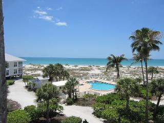 Beach Perfection! Relax away the days with Pool Access and a Gulfview C1524A
