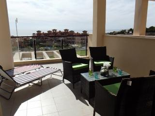MH21- 2 Bed  Apt Near Beach, Isla Plana