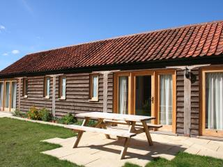 Ecofriendly, luxury barn conversion on beautiful farm- Kingfisher at North Farm