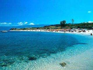 BLUE SEA - CLOSE TO THE BEACH, Briatico