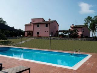 Villa Vallocchia + dependance with private pool, Spoleto