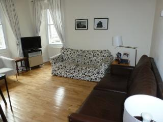 3 Bedroom Rose St  City Centre, Edinburgh