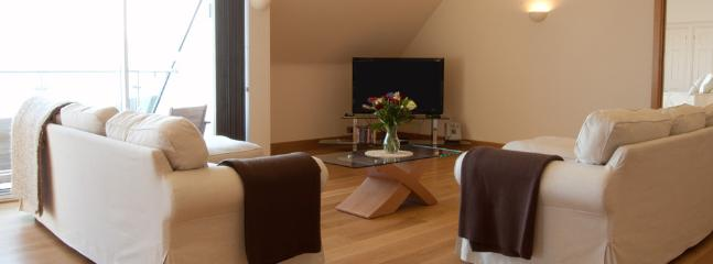 Spacious living area, two large sofas, Sky TV, DVD, Wi-Fi