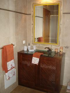 Upstairs badroom
