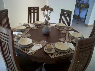 Full dining set for 6 people