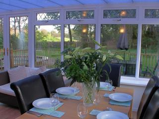conservatory dinning area