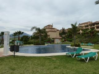 Beautiful apartment in Cumbres del Rodeo, Puerto Banus