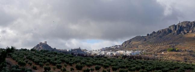 vista desde el cortijillo el pueblo de Luque