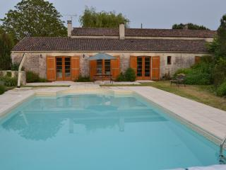 House / Farmhouse - Tournesol (5 Bedrooms + further 1 bed Gite)