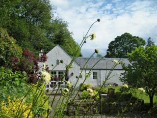 Steading Cottage, Crieff, Perthshire  - Spacious cottage sun trap garden