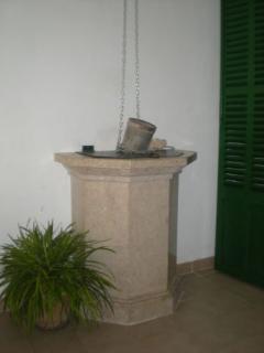 Tradicional cisterna.... un buen rincon para la lectura