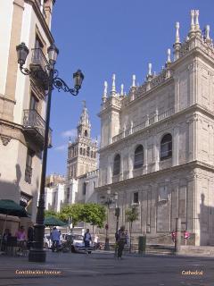 Avenida de la Constitución Catedral de Sevilla y la Giralda