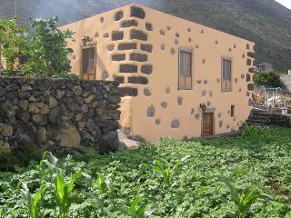 Casa de mi abuela María, Frontera