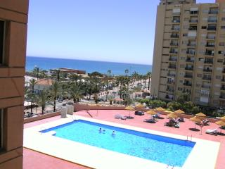 Apartment 329 Tower1 Las Palmeras with WIFI & AIRCON