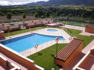 APARTAMENTO-PADEL-PISCINAS-PARKING, Jaca