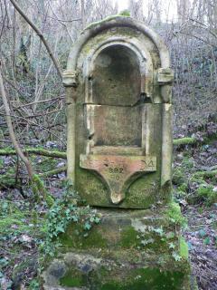 Alentours la Fontaine Saint Clair