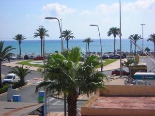 Apartamento junto al mar en Urb. Roquetas de Mar